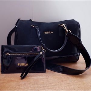 FURLA ITALY BLACK LEATHER TOTE BAG WITH POUCH 🖤